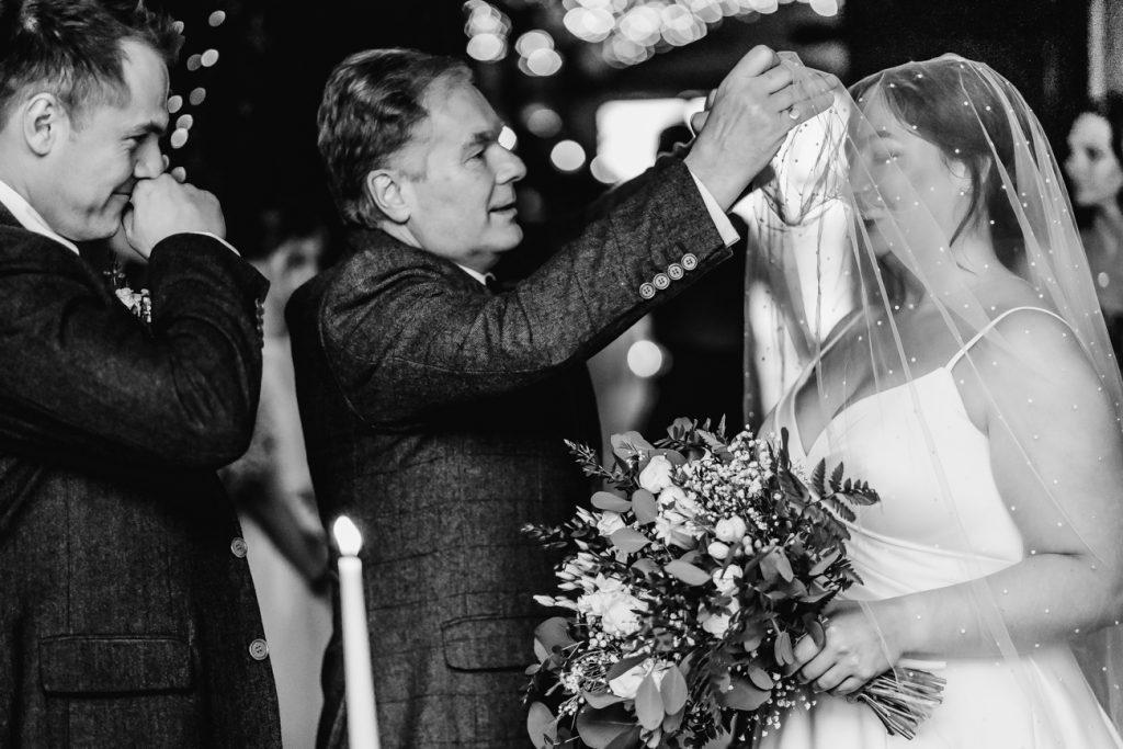Pearl veil, warwick wedding dress shop, leamington spa wedding dress shop, kenilworth wedding dress shop, solihull wedding dress shop, stratford upon avon wedding dress shop